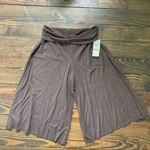 Style & Co NWT brown skirt shorts pants size S